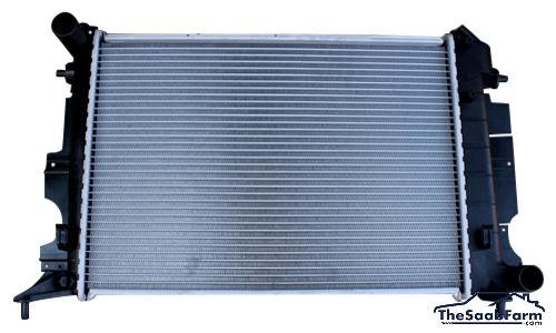 Radiateur Saab 900 94- 4 / 6 Cyl, 9-3 -03 4 Cyl Automaat, Nissens